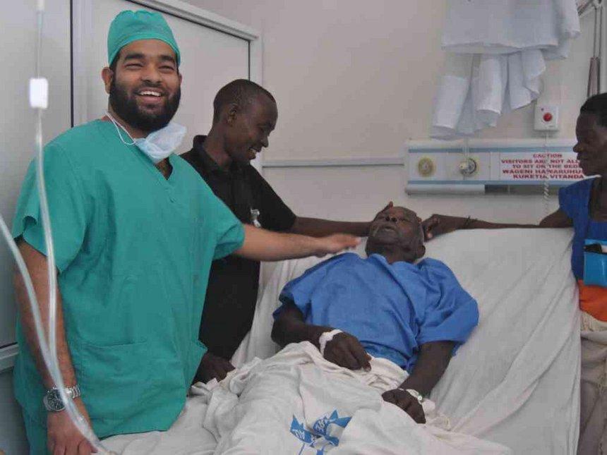 Kenyan urological surgeons treat Malindi patients for free without cutting