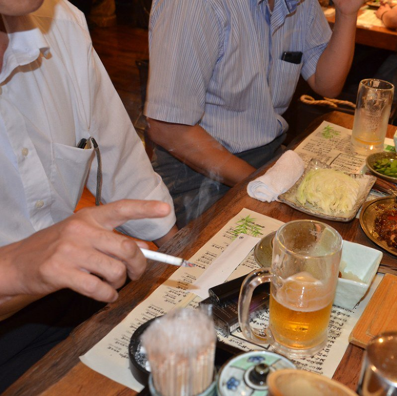 LDP approves new draft of watered-down health ministry passive smoking plan