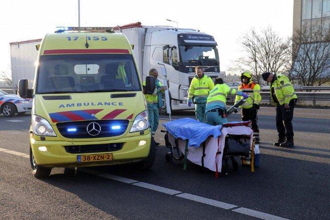 Motorrijder gewond bij ongeluk A20 https://t.co/XUtFdsEUk6 https://t.co/XIpUpBzXR2
