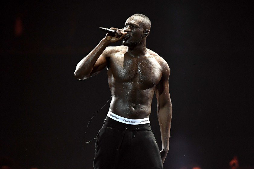 .@Stormzy1 called out Theresa May and the Daily Mail at the #BRITs. https://t.co/6z8plAVSOW https://t.co/Q09pDm4k7s