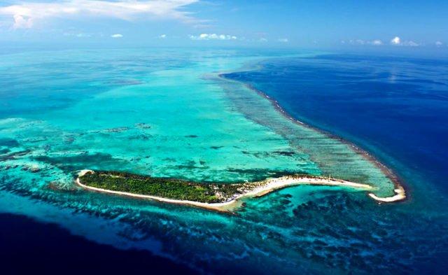 Belize baniu exploração de petróleo no mar