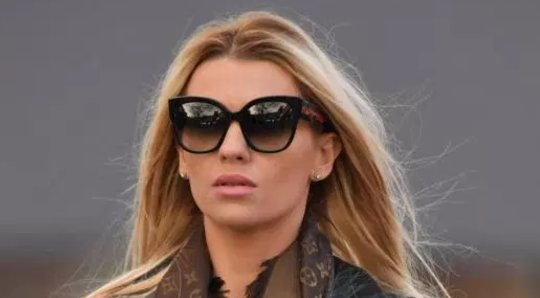 Christine McGuinness keeps wedding ring covered after Paddy and Nicole drama