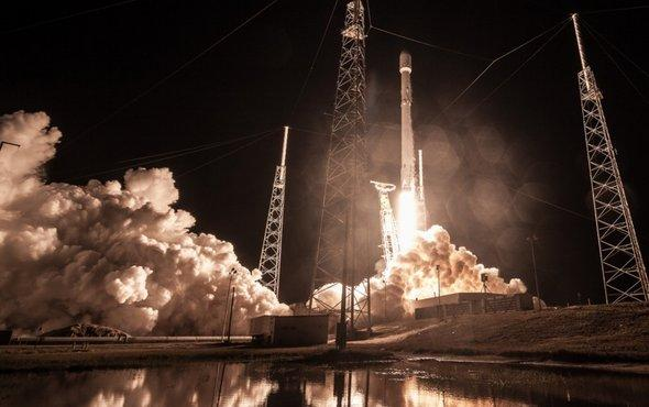 test Twitter Media - SpaceX launches test satellites for internet constellation https://t.co/4VR7mFIXkL https://t.co/Wy6on8Ct1s
