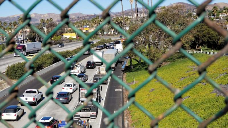 Man dies after poisoning himself during Southern California freeway chase