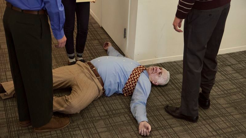 Report: More Elderly People Now Dying Surrounded By Coworkers https://t.co/bKvPsNVhtC https://t.co/va67UUFOng