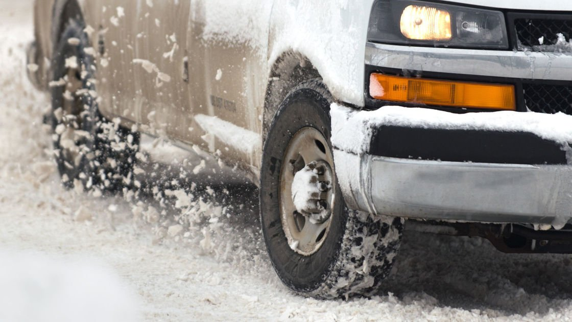 Snow, freezing drizzle expected to start around noon