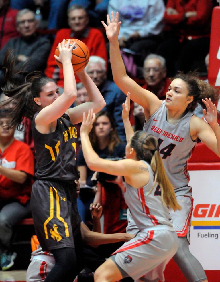 UNM women just couldn't close point gap against Wyoming