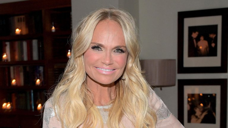 Kristin Chenoweth to Star in 'Trial and Error' Season 2 for NBC   @KChenoweth