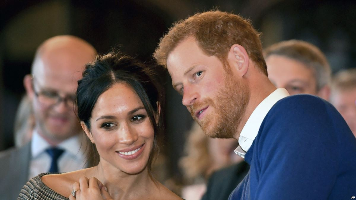 UK Police Investigating Package Sent to Harry and Meghan https://t.co/B0Q6cD7ILc https://t.co/W8qNoF24kQ