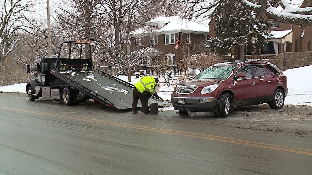 Extra tow truck drivers called in to keep up with Thursday accidents