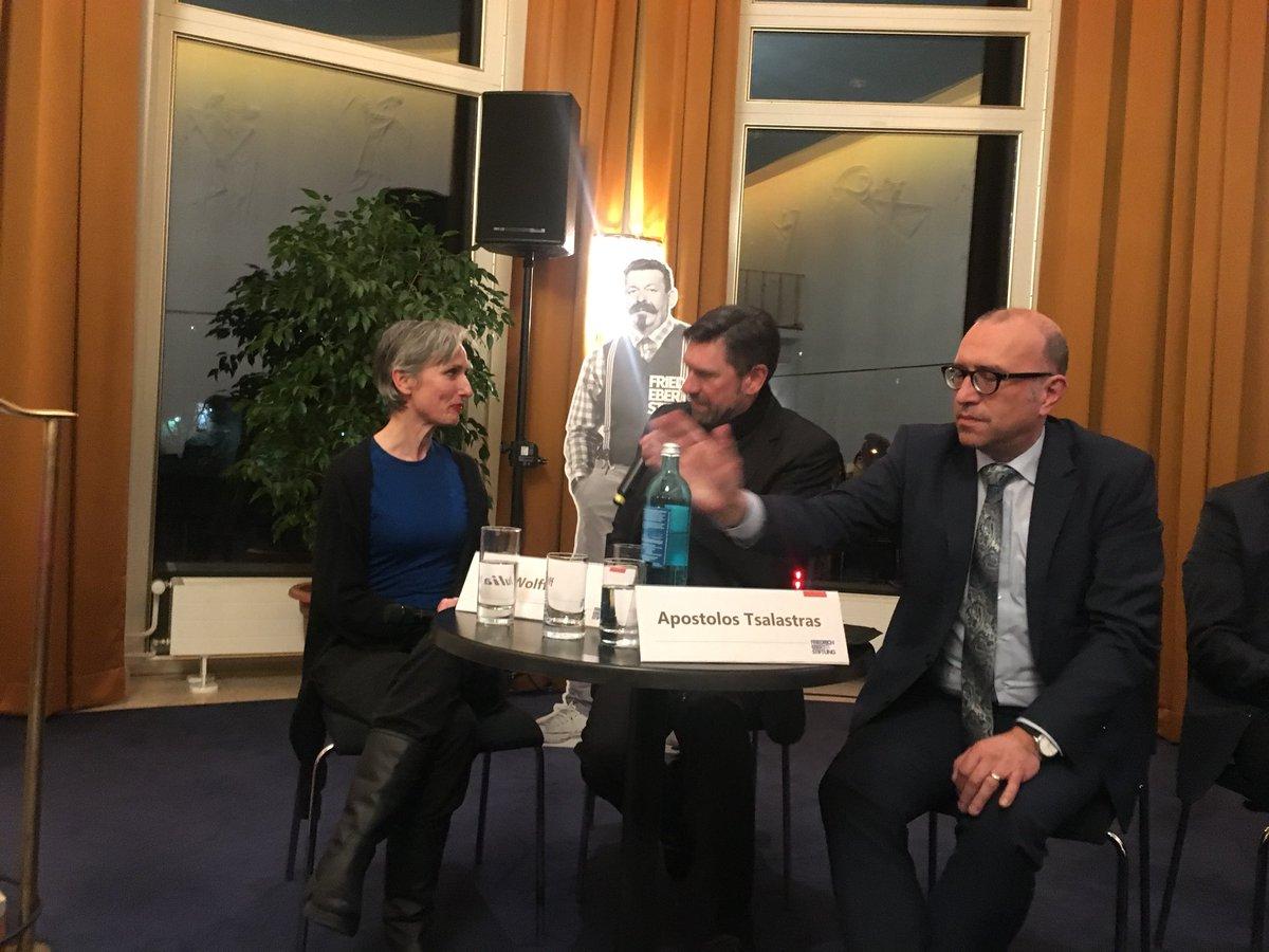 test Twitter Media - Spannende Diskussion der Friedrich Ebert Stiftung zur Zukunft des Theater- und Orchesterpaktes im Wuppertaler Opernhaus. https://t.co/k6PgBzGGzP