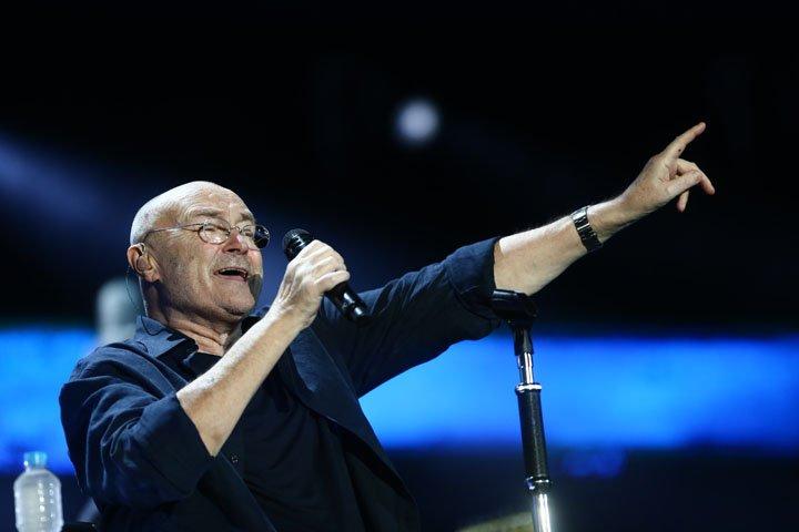 @BroadcastImagem: O cantor britânico Phil Collins se apresenta no Estádio do Maracanã, no Rio. Fábio Motta/Estadão