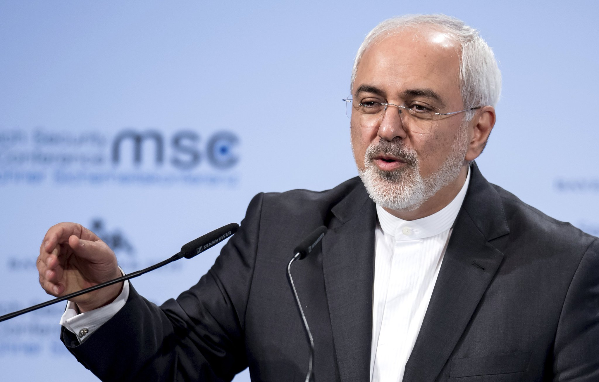 EXCLUSIVE: Iranian FM @JZarif says the #US will become outsider if breaks nuke deal https://t.co/mkp4tGsyQV https://t.co/DxXm3XIbg4