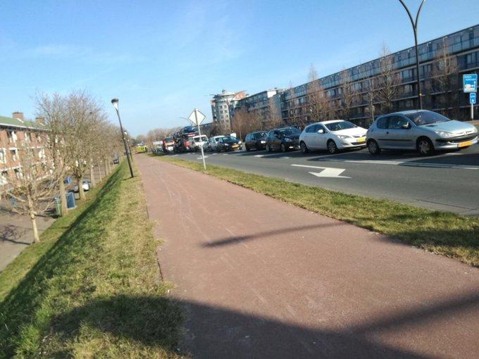 Ook in Maasluis loopt het verkeer vast als gevolg van de storing bij de Beneluxtunnel https://t.co/zqhPxXXctL