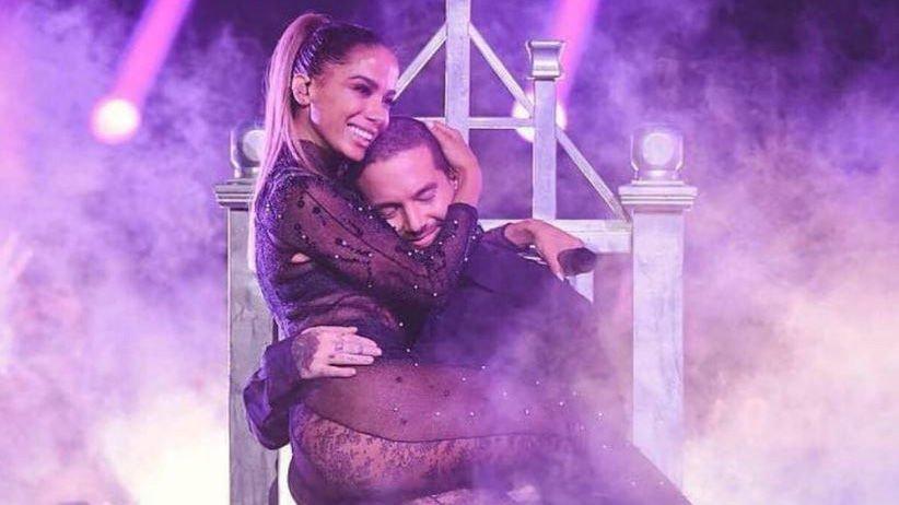 01 momento pra enaltecer @Anitta e @JBALVIN no Prêmio Lo Nuestro 2018 --> https://t.co/sSMlikY2ja https://t.co/xDpqABoFEO