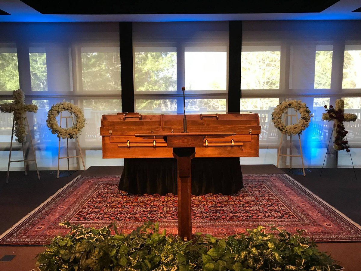 Rev. Billy Graham to be laid to rest with a bible in casket made - | WBTV Charlotte