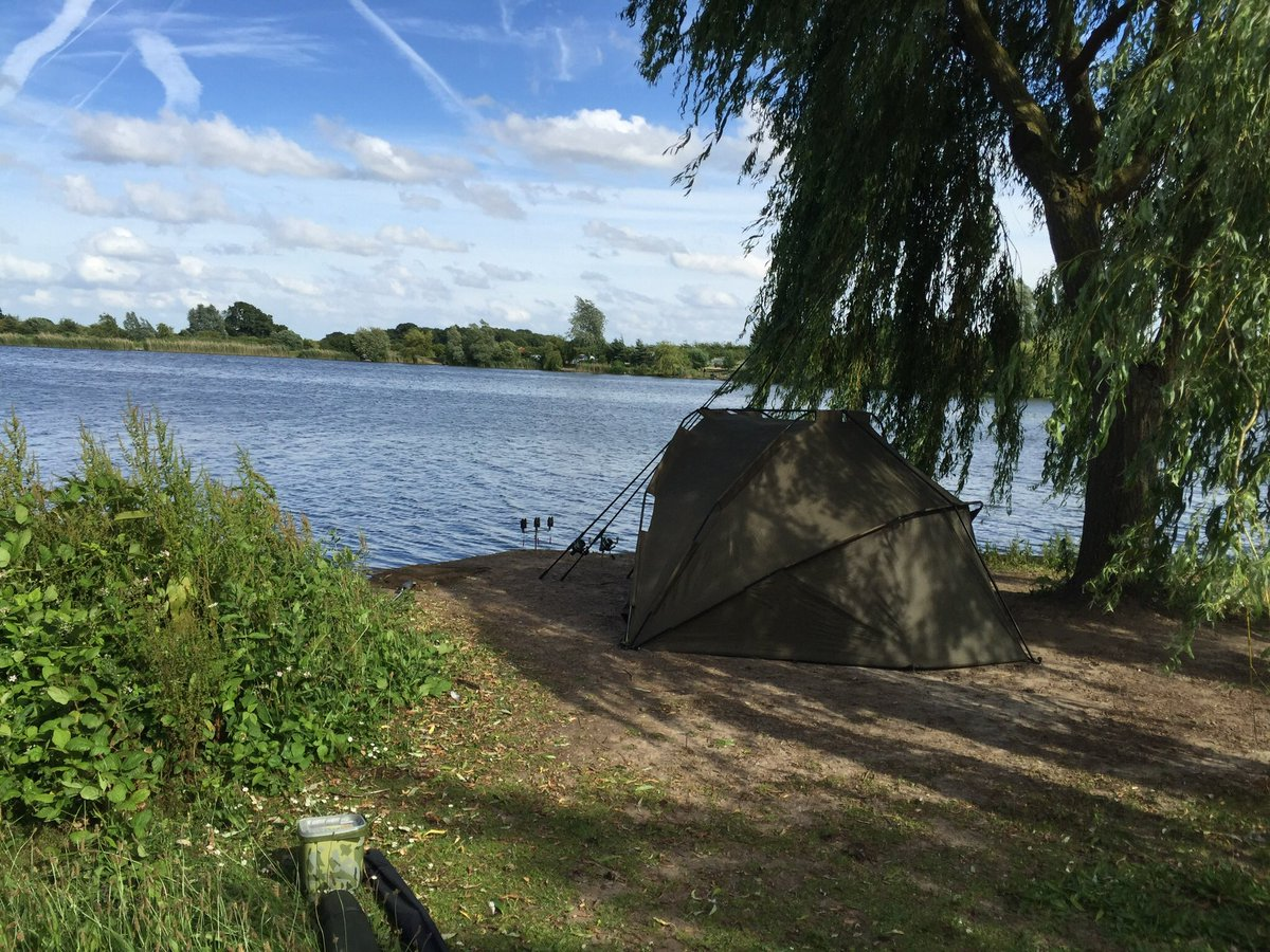 One of a bunch of pics I have of the <b>Stunning</b> Fryerning Fishery. 😍@FryerningXLCarp #carpfi