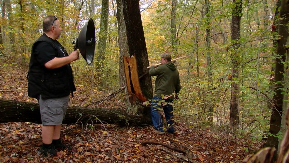 'Bigfoot hunters' convinced of sighting in Tri-State woods: https://t.co/BPMRDCOaqS  #Bigfoot #Sasquatch https://t.co/3YE8LpZzbu