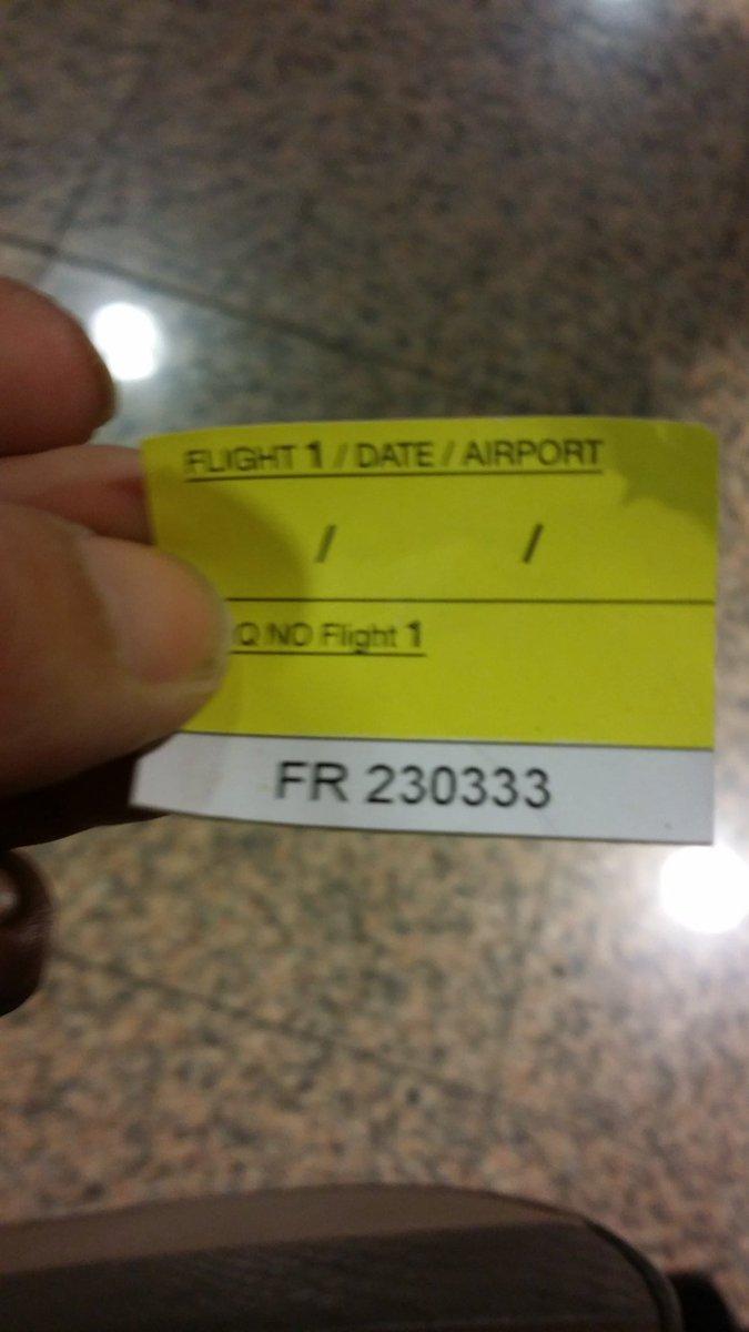 Ahora n encuentra mi maleta y el señor azafato ha desaparecido lni58L4tpy