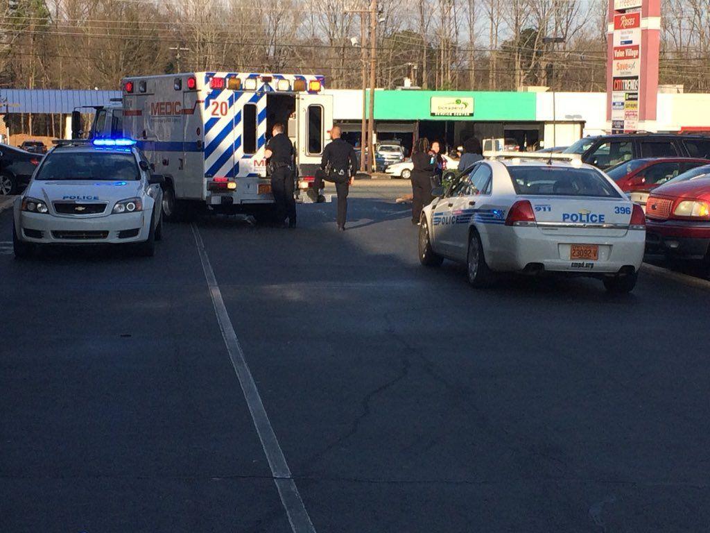 Pedestrian struck, injured in west Charlotte - | WBTV Charlotte