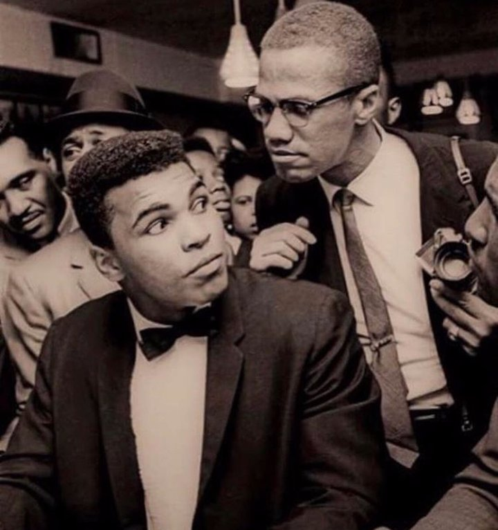 @Nas @googlearts This is a pretty iconic pic of #MohammedAli and #MalcolmX #celebrateBlackhistory https://t.co/JMs0u4rUA4