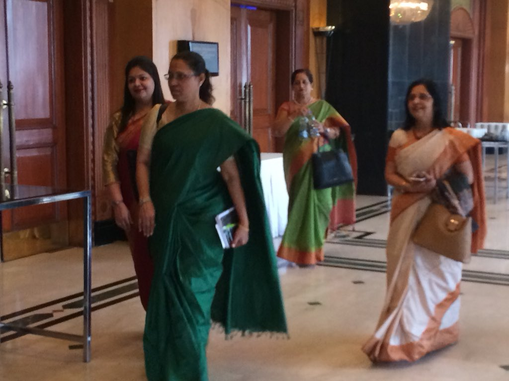 test Twitter Media - Esteemed dignitaries arriving at the venue to participate in #SLS2018 #eletseducation https://t.co/l09H5ijTIn