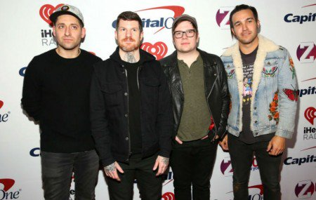 Fall Out Boy Lepas Tiga Lagu Baru https://t.co/or45kuOvJC https://t.co/AJhwr7AfGm