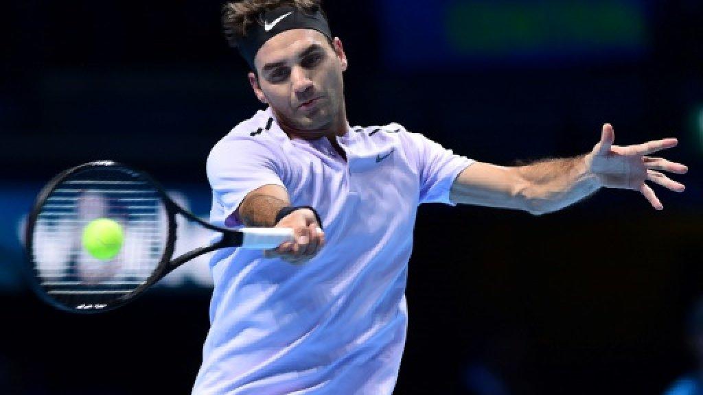 Federer turns down Dubai wild card, heads to Monte Carlo instead