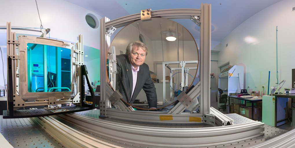 test Twitter Media - Happy birthday to #NobelLaureate, cosmologist, @VC_ANU and friend of Lindau Brian Schmidt (@cosmicpinot)! Prof. Schmidt showed us his workplace and his vineyard in our Nobel Lab 360° series:  https://t.co/kvwyyTB991 https://t.co/fn0uk1kzrf