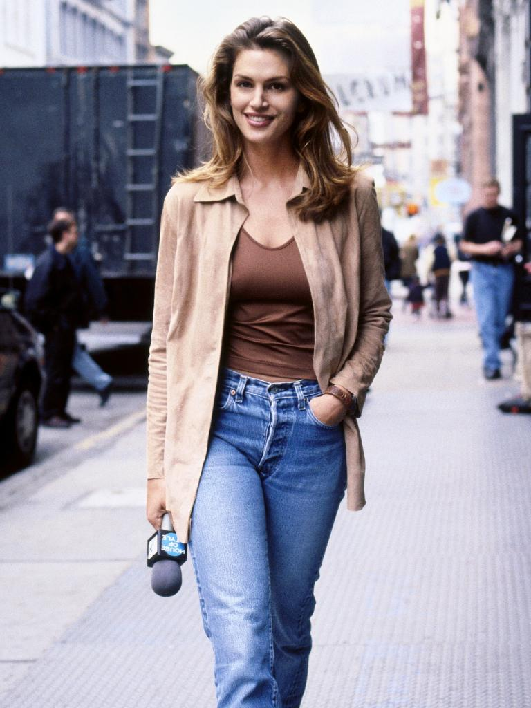 RT @PORTERmagazine: Where to stay, eat and play in #NYC with @CindyCrawford https://t.co/Werl2IwdC0 https://t.co/kioACCfMVO