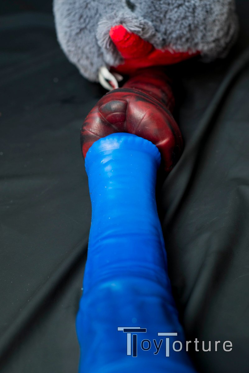 test Twitter Media - Returning from my business trip to Berlin, I found @bad_dragon's Chance and Duke in my playroom going at it. Duke is quite the gaping size queen, but Chance seems too large even for him. He doesn't look too happy. Maybe they should have used lube 🙈 https://t.co/Wjc88yIY90