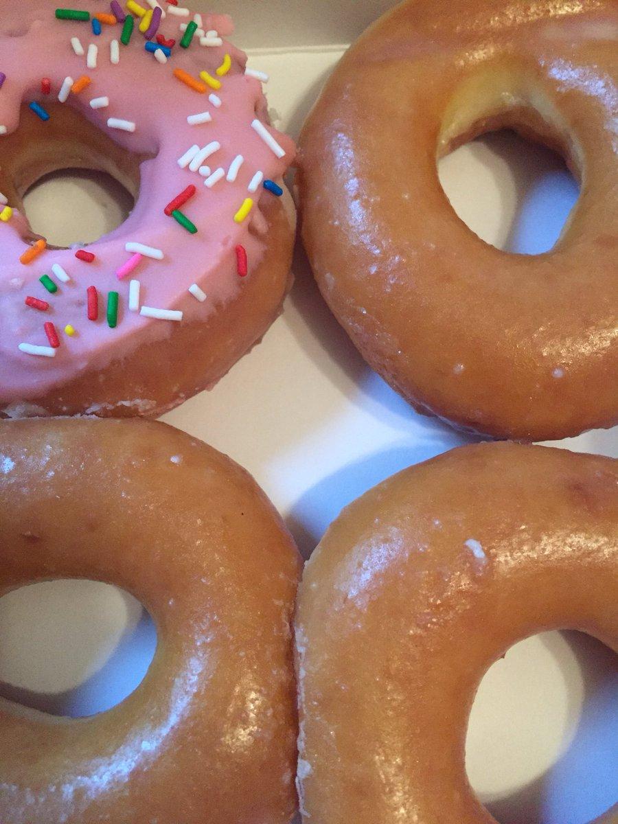 Seemed like a good idea 🍩 #krispykreme #doughnut https://t.co/lL4753sn5C