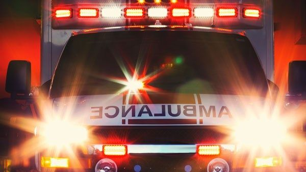 2 injured after car crash in north Charlotte -   WBTV Charlotte