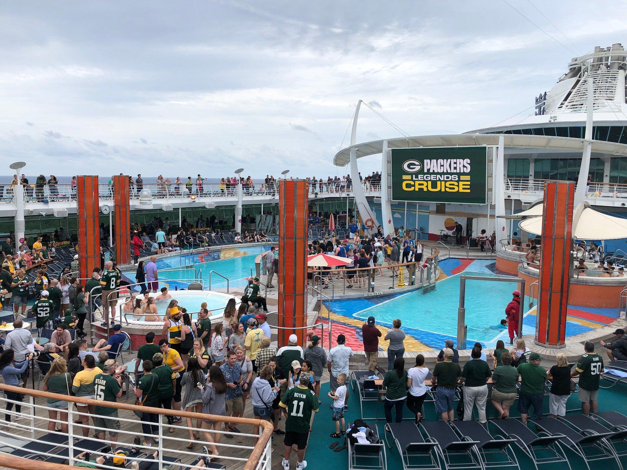 All aboard! ��️  The #PackersCruise set sail today ��: https://t.co/QBpJj6KHFI https://t.co/UE46EE59Lq