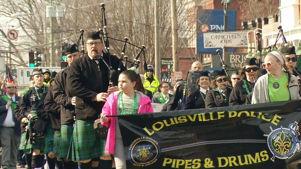 Thousands line Baxter Avenue and Bardstown Road for annual St. Patrick's Day Parade