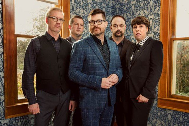 The @TheDecemberists go synthpop on new song 'Once In My Life' https://t.co/cRnY3pYicY https://t.co/3xNQ7Gi5o1