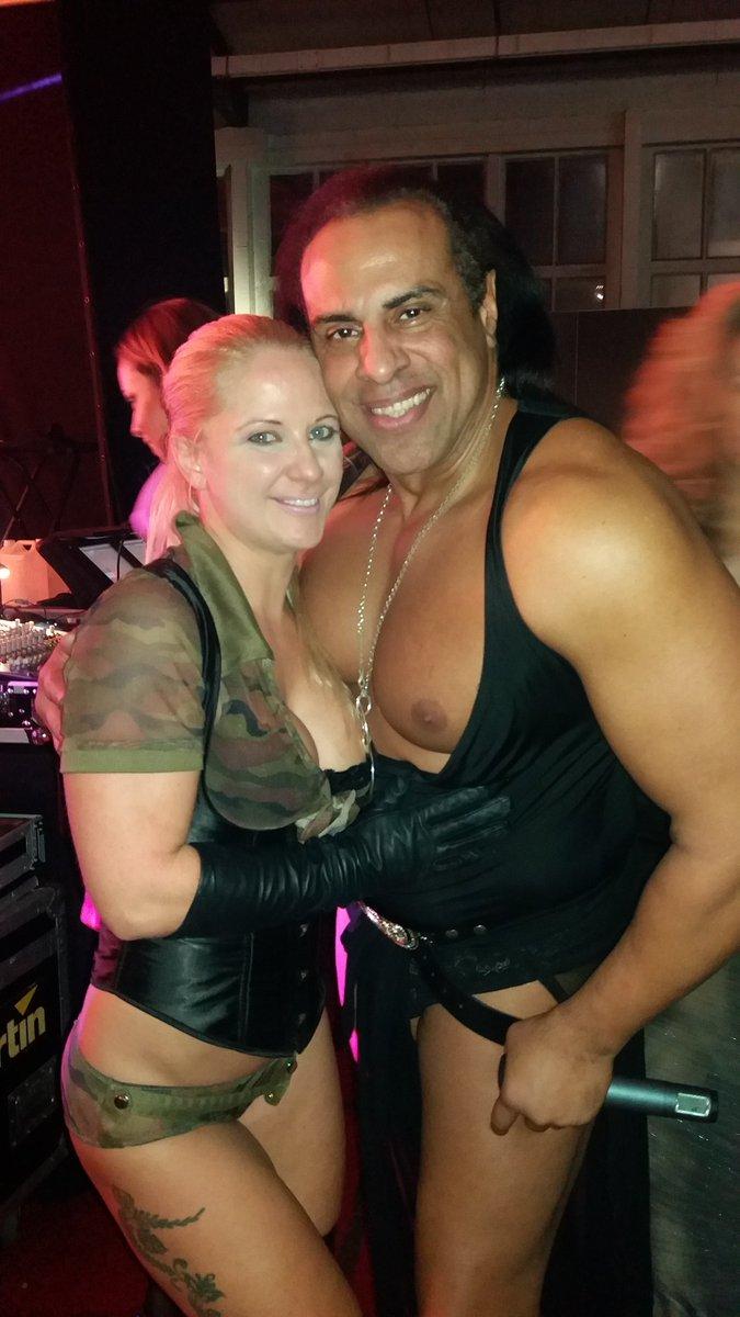 3 pic. Brussel erotic festival MdjAHJvKFK