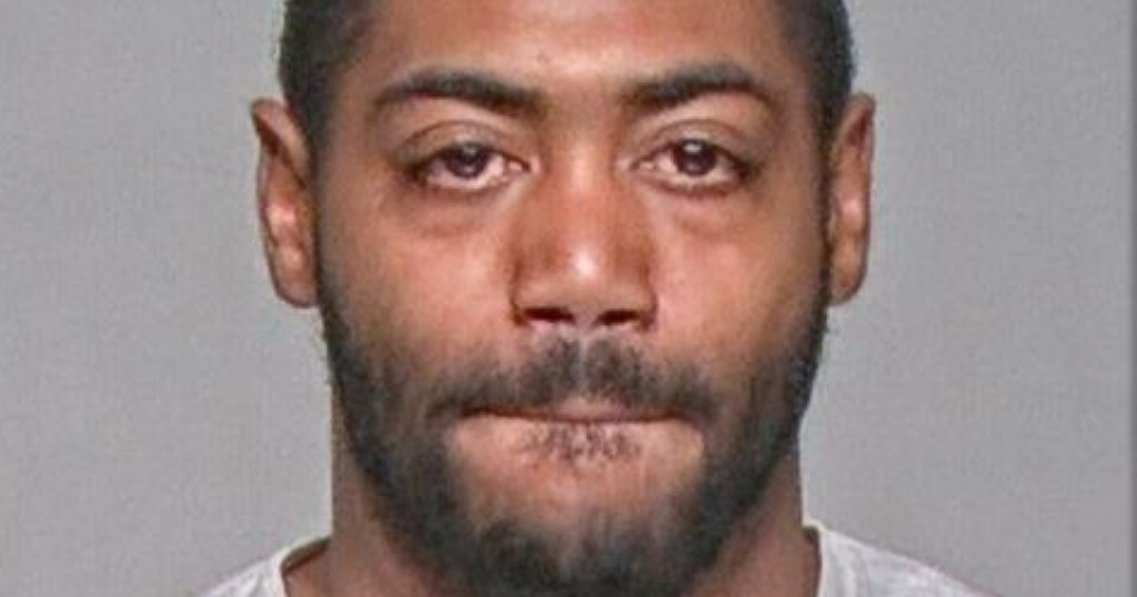 Cops: Milwaukee man walked into police station, confessed to killing woman