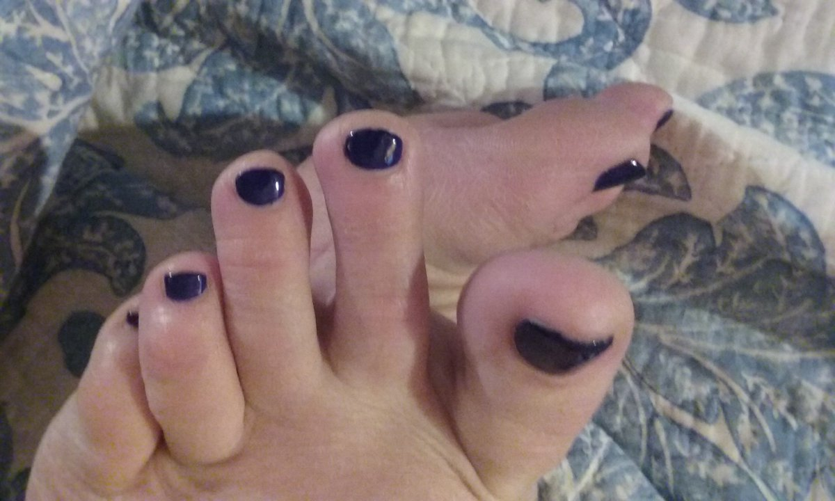 I never showed off my pedicure yesterday. I love this blue polish. It's going to look great in fishnets