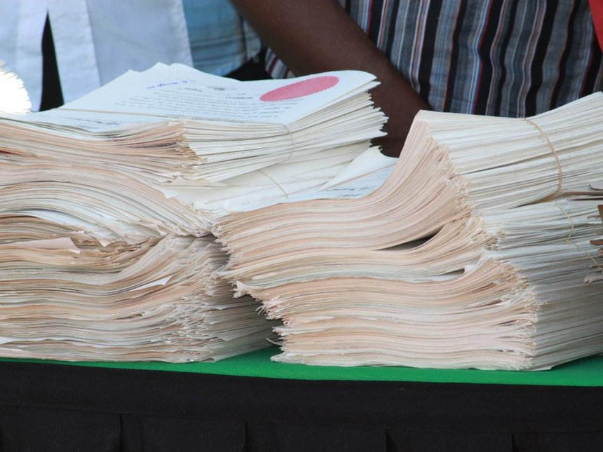 41,000 title deeds gather dust in Homa Bay as residents 'lazy'