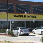 Waffle House employee in Texas helps elderly man cut up his food