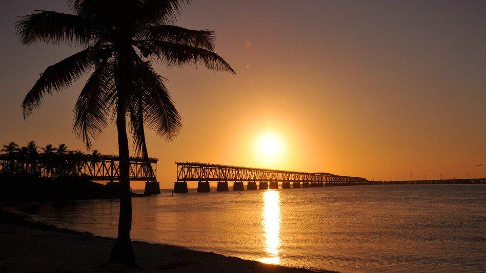 Sunshine daydream: Florida bill would make daylight saving time year-round