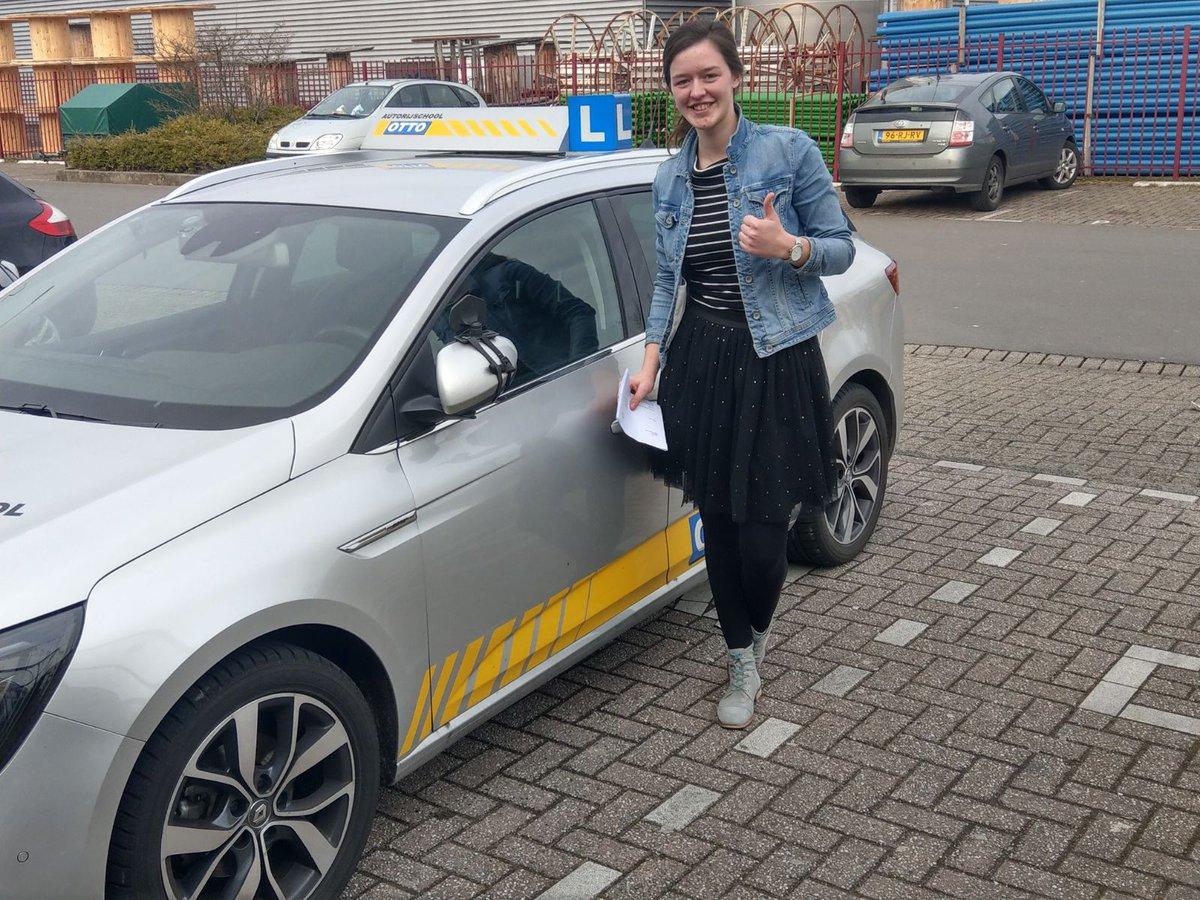 test Twitter Media - Lianne Treur gefeliciteerd met het behalen van je rijbewijs. Nu kun je zelfstandig op weg naar je photoshoots. https://t.co/vOxWJAkr50