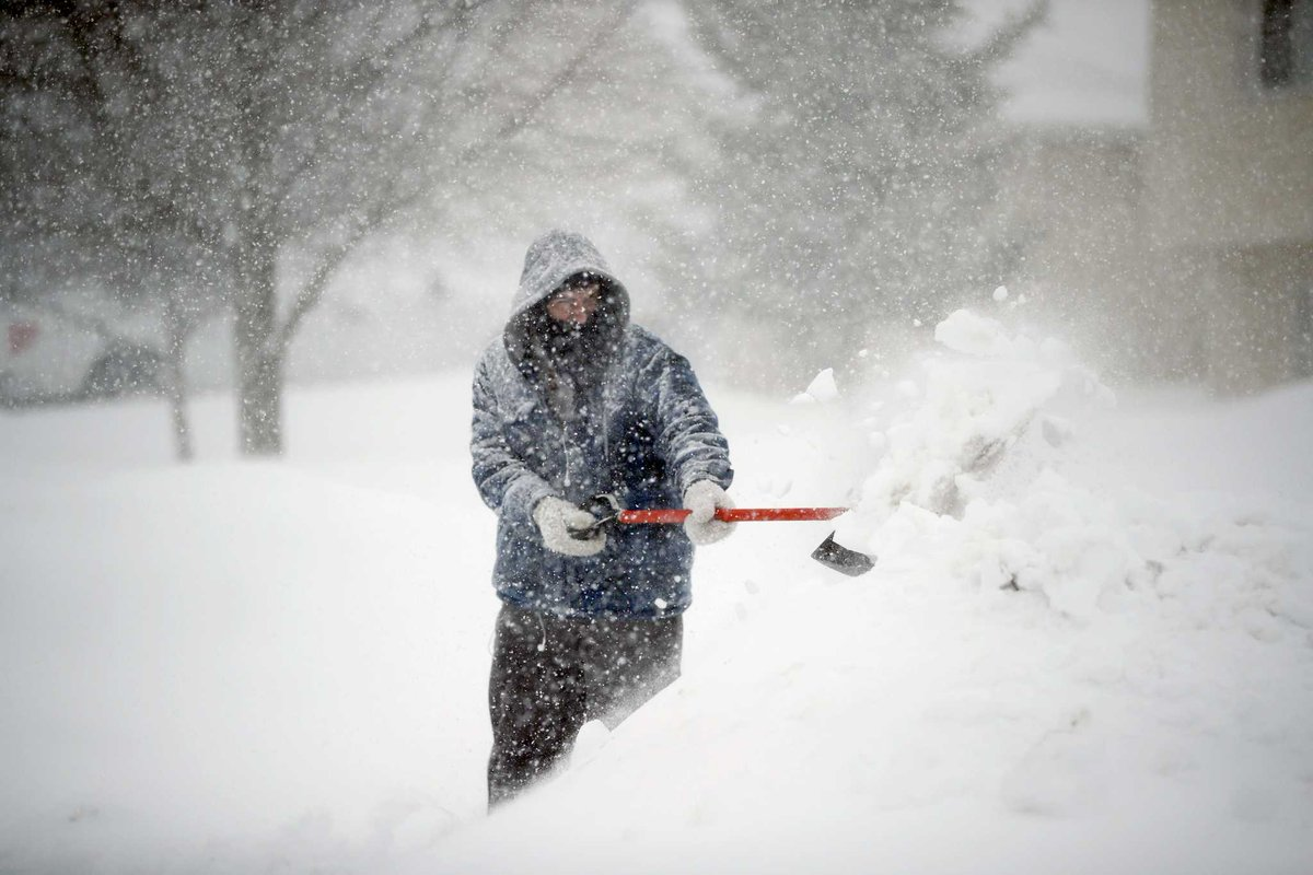 Winter storm threatens foot of snow for parts of Midwest