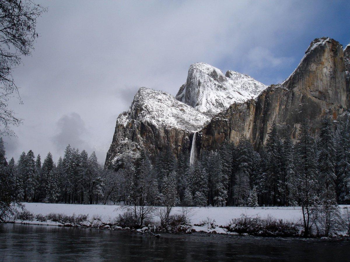.@YosemiteNPS in the winter — https://t.co/IIi53nFSqG https://t.co/hrJ1Oqk8TU