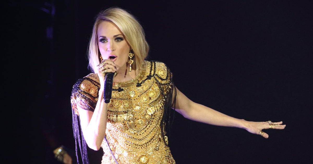 Happy birthday Carrie Underwood! Check out 11 of her greatest Eighties covers https://t.co/GjQgTG3XiS https://t.co/xxoHeqdYUy