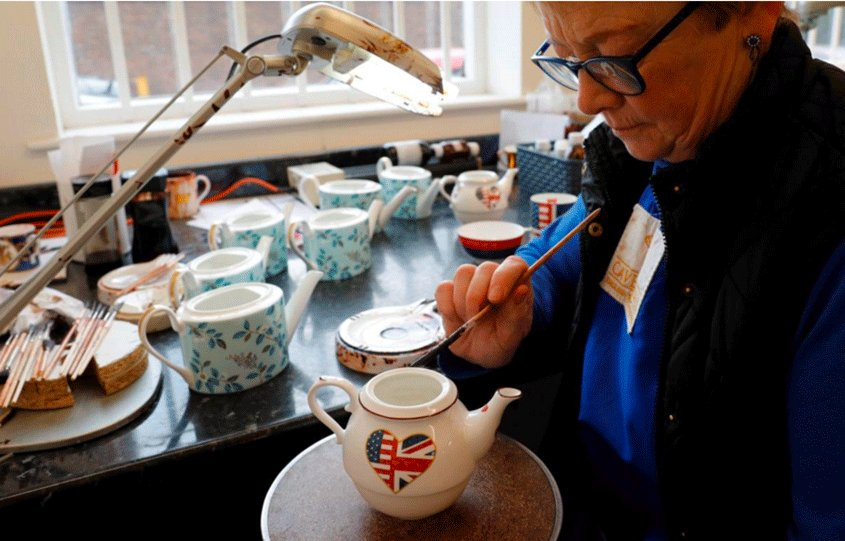 British firms hope for halcyon days ahead of royal wedding