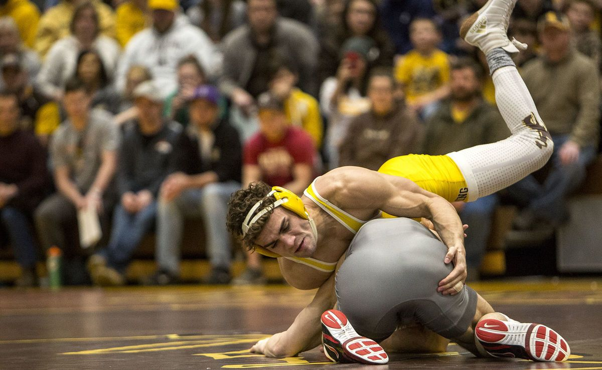 Wyoming wrestlers Meredith, Ashworth earn top seeds for Big 12 Championship