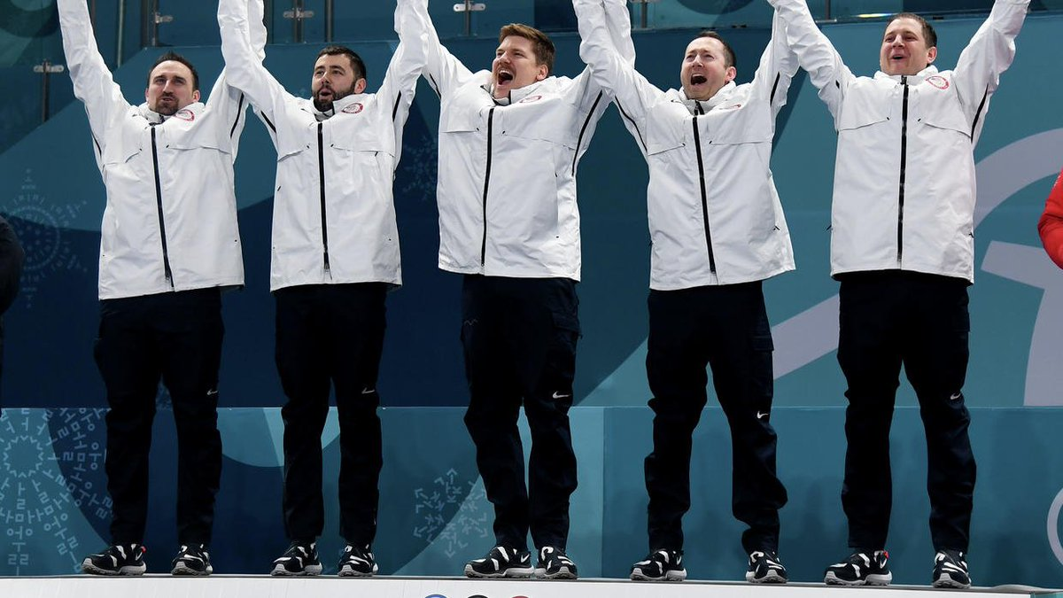 Hockey Olympian honors curling gold medal team