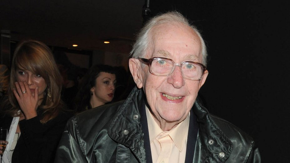 Lewis Gilbert, famed U.K. director of 'Alfie' and 3 James Bond films, dies at 97